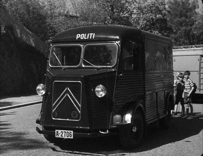 1948 Citroën Type H Politi