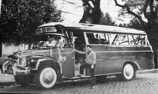 1960 el Gnecco Bedford Superamérica.