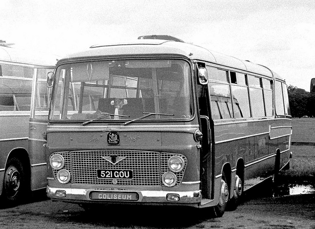 97 Coliseum, Southampton 521GOU 1963 Bedford VAL14 Duple Vega Major C49F on Hampton Court Green