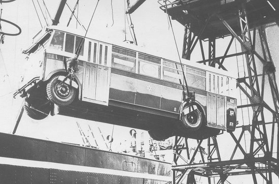 1931 Guy Trolleybus op weg naar Japan
