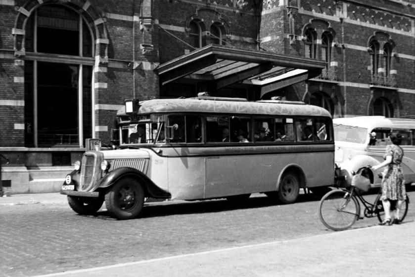 1936 Ford-Hainje uit 1936, gefotografeerd door Jan Voerman op 4-8-1940 in Den Bosch