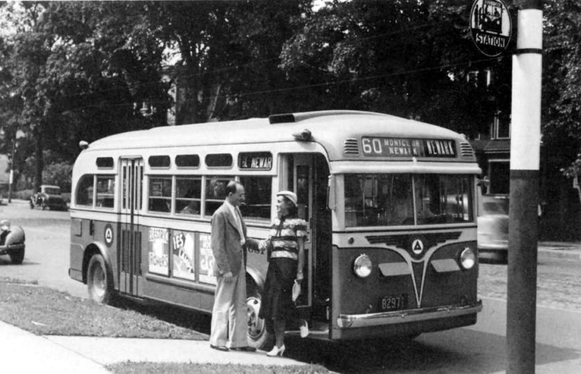 1938 Yellow Coach Model '1203'