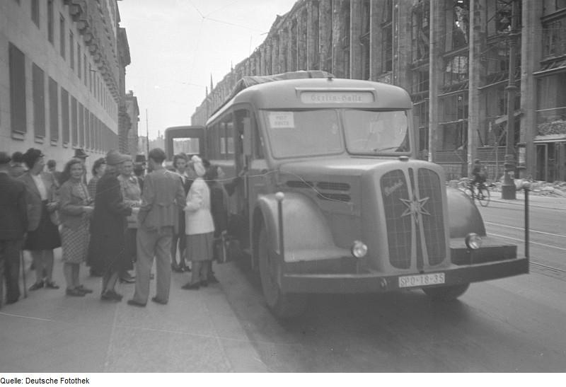 1939 Henschel 40 S 1 Bj. 39 mit Nieren-Kühlermaske, 95-PS-Dieselmotor