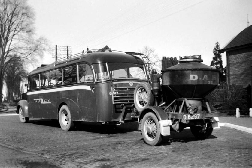 1939 Opel-Hainje foto genomen op 7-4-1941 door Jan Voerman DABO 30 Assen station