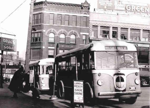 1940 GM Yellow Coach Model 733 21 passenger buses