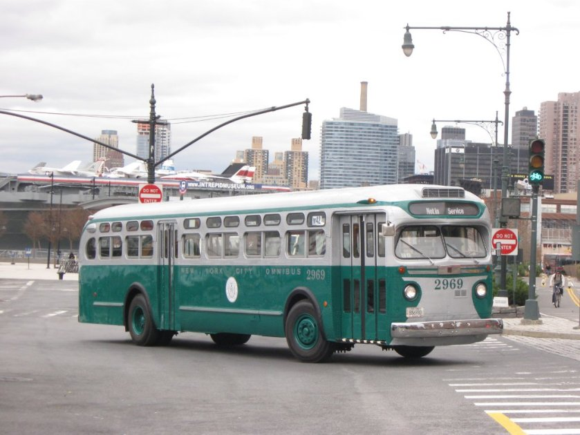 1949 GM TDH-5101 New York City Omnibus GMC Old Look TDH-5101 2969