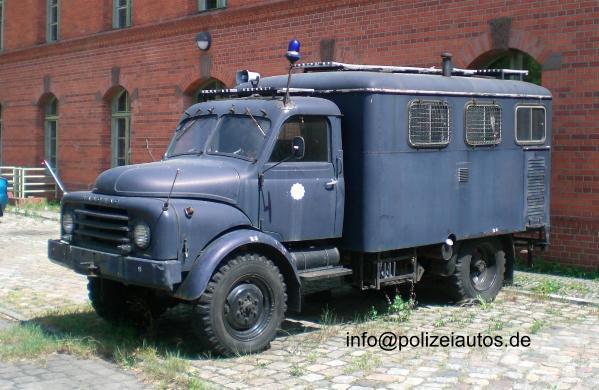 1950 hanomag-a-l Polizei bus