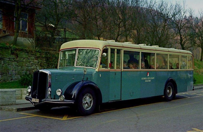 1952 Autobus Nr. 5 Berna Hess 4UPO-463-H2 (Achtzylindermotor)