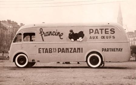 1953 La-Publicite-qui-roule-Panzani-carrosserie-Heuliez-Cerizay-Citroen-P45