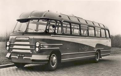 1953 NB-78-49 Bedford SB with Hainje coachwork