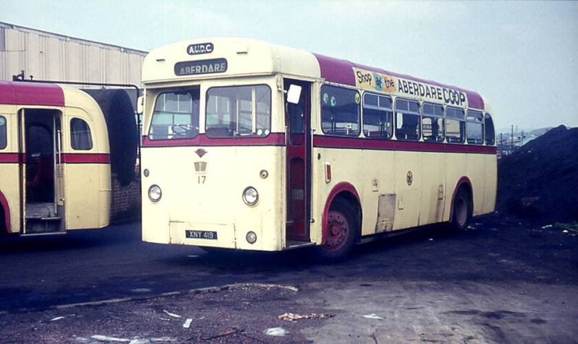 1958 Guy Arab LUFs with Longwell Green B44F bodies, XNY419