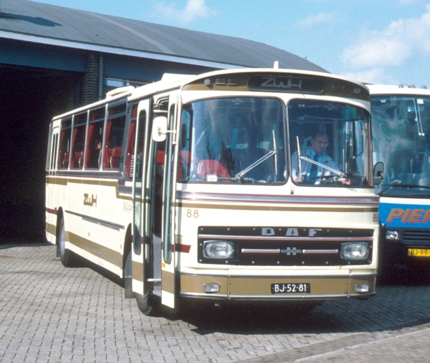 1971 DAF carr. Hainje-bus van Autobedrijf De Zuidwesthoek ZWH 88