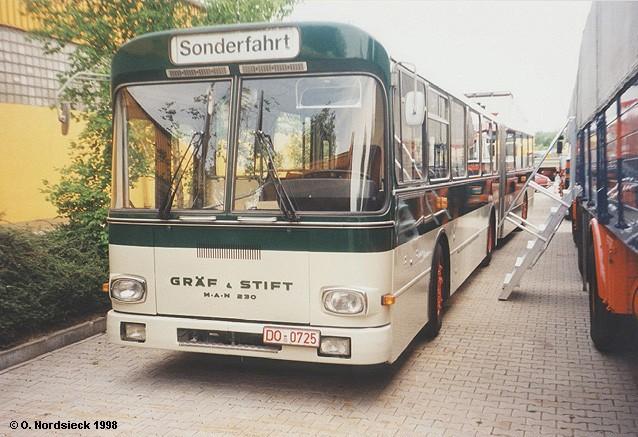 1980 Gräf-Stift-GU230-Gelenkbus-dunkelgruen-hellgrau-Fr