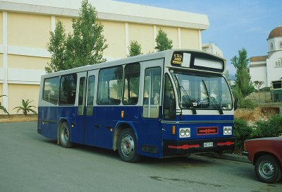 1982 Op Kreta rijden in Rethymnon een viertal Neoplan DAF-Hainje Midibusjes