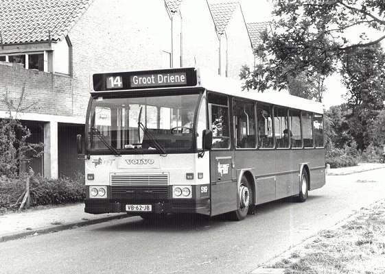1988 Volvo nr. 519 met carrosserie van Hainje onderweg naar Groot Driene in Hengelo