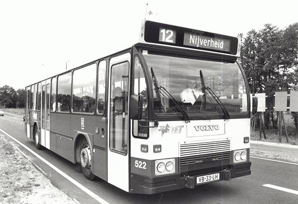 1988 Volvo nr. 522 met carrosserie van Hainje onderweg naar de Nijverheid in Hengelo