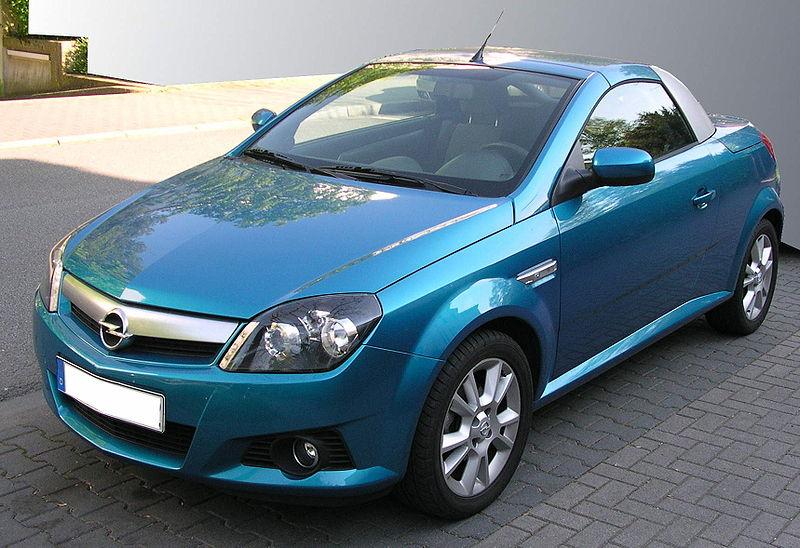 2007 L'Opel Tigra TwinTop est une production Heuliez 2e gen