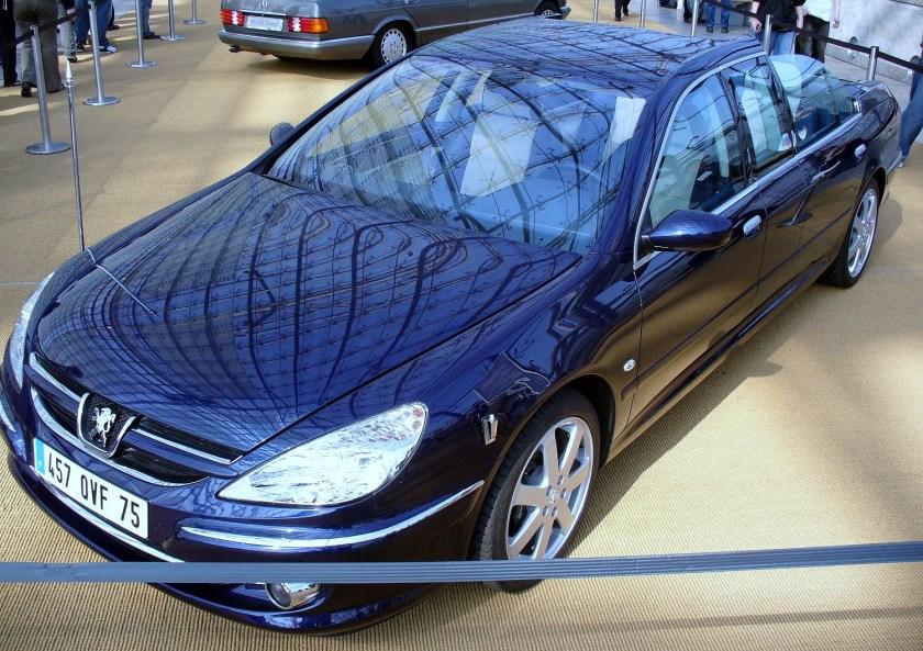 2011 Peugeot 607 Paladine. Landaulet présidentiel aux places arrière découvertes