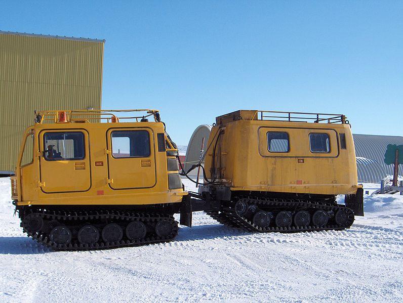 Hägglunds CV9040 geel