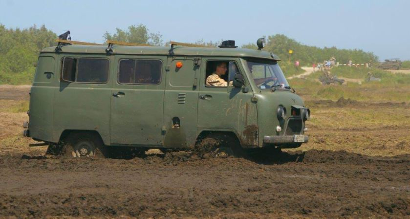 UAZ-452 mud