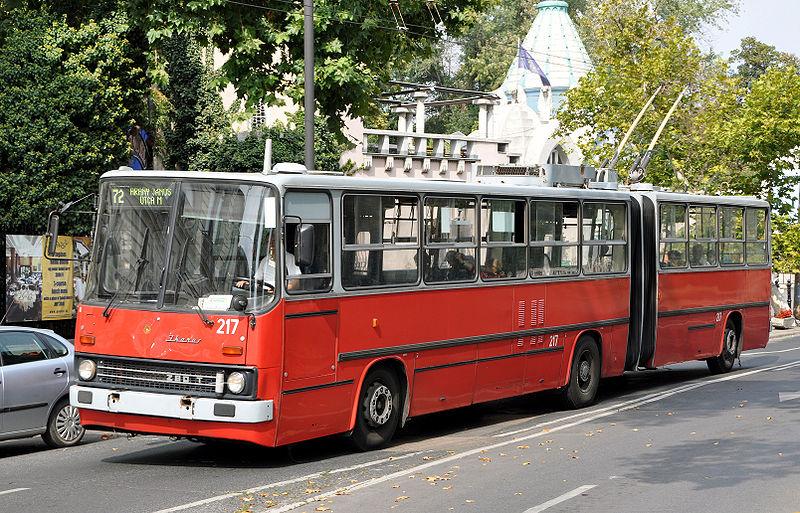 10 800px-Ikarus_280T_Trolleybus_R01