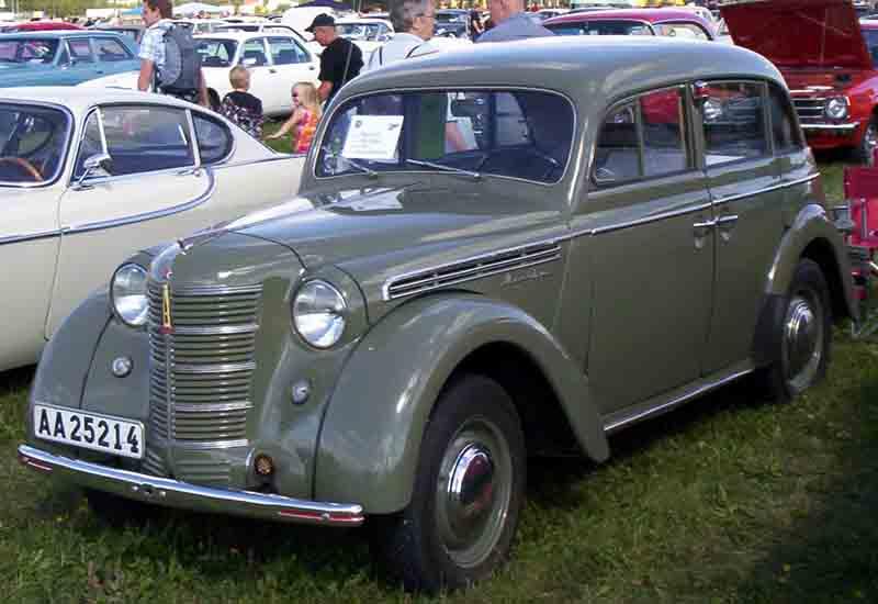 1938 Moskvitch-400, nearly a copy of the Kadett K38