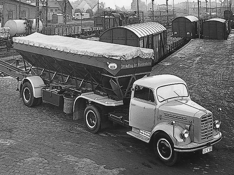1942-50 Borgward 2de serie  B3000 met oplegger
