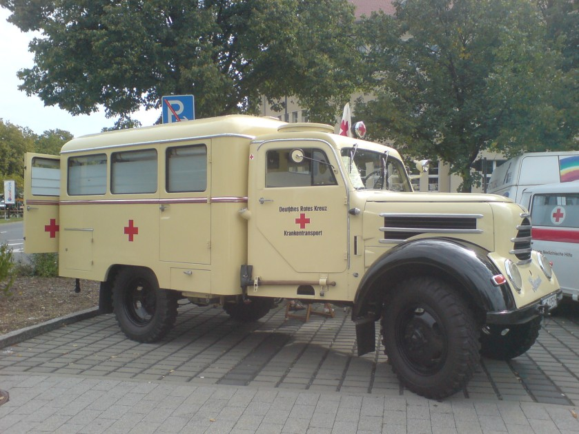 1950 Phänomen Garant 30k A (Allrad) Rettungswagen