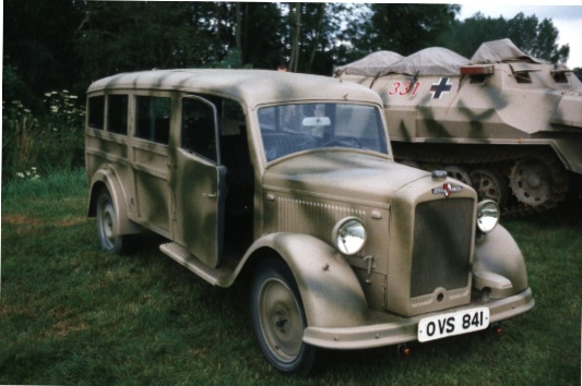 1951 hansa-lloyd-Ambu1