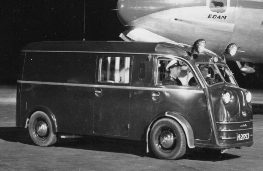 1951 Tempo Matador surveillancewagen. KLM-Terreinpolitie van 1949-1956 Schiphol