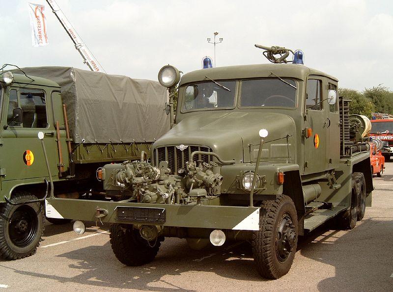 1952-64 IFA TLF 15 der NVA
