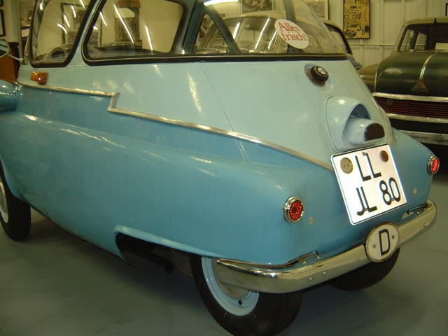 1956 BMW Isetta 250 Bubble Window achterkant (D)