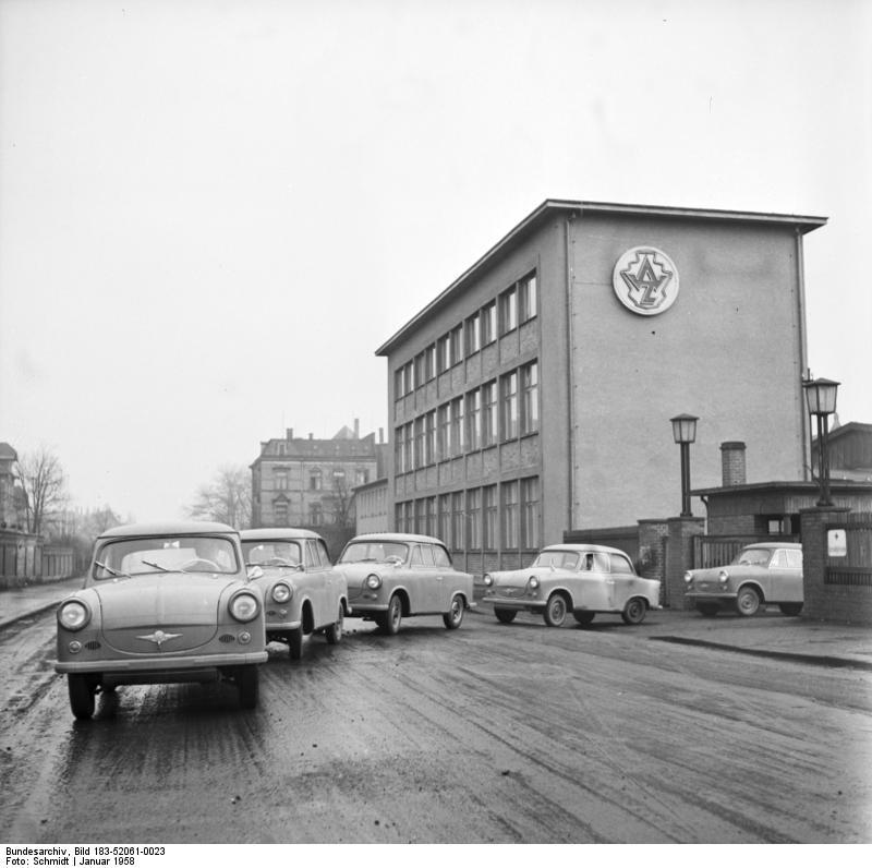 Trabant, Wagen der Nullserie verlassen das Werk