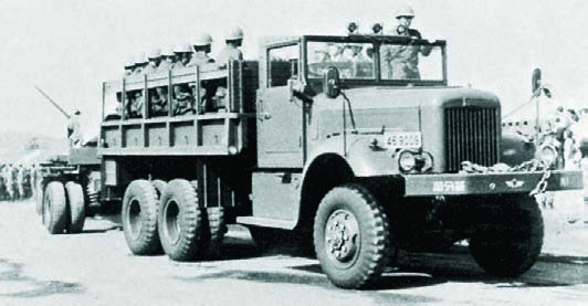 1959 Hino ZC35, 6x6