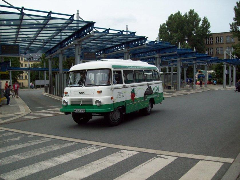 1971 Robur der VGM Meissen im Busbahnof Chemnitz