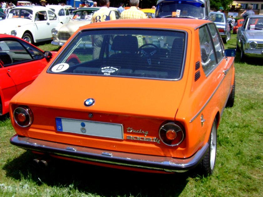1974 BMW 2002tii Touring 2