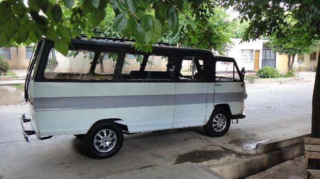 1980 Rastrojero frontal Mini Bus modelo 80