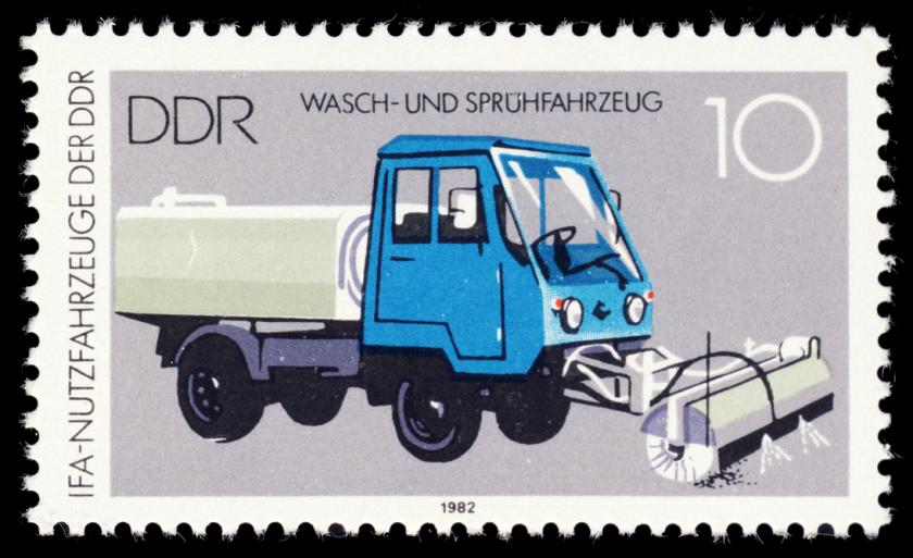 1982 MiNr 2745 Wasch- und Spruehfahrzeug M 25