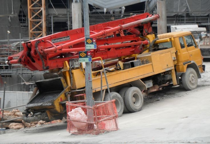1988 Hino Super Dolphin FS Concrete Pump Truck