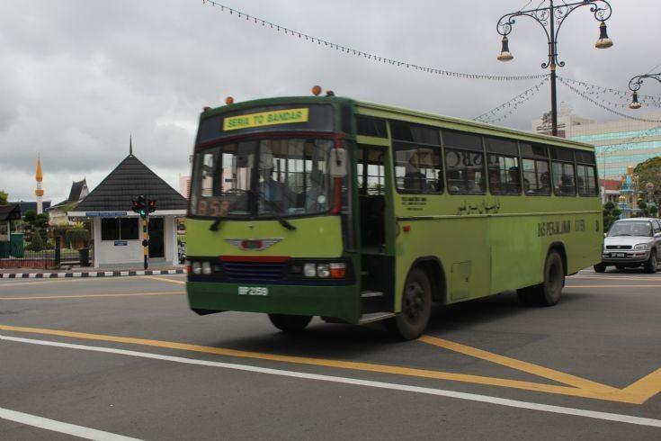 1990 Hino inter town bus Bruneï