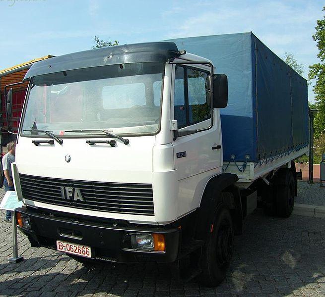 1990 IFA 1318