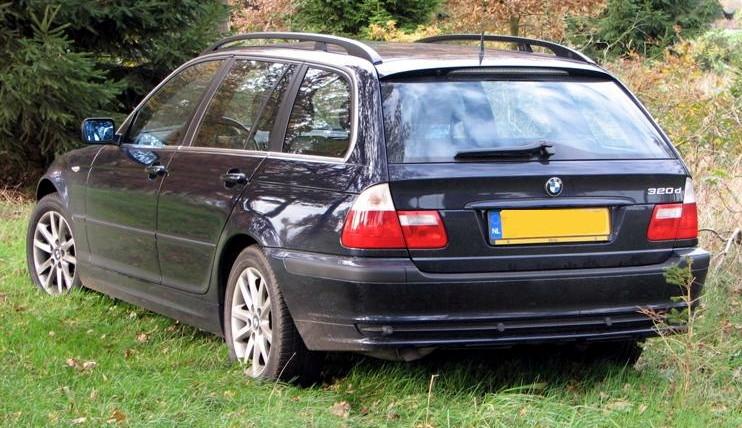 2004 BMW E46 back