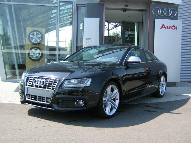 Audi S5 sideleft