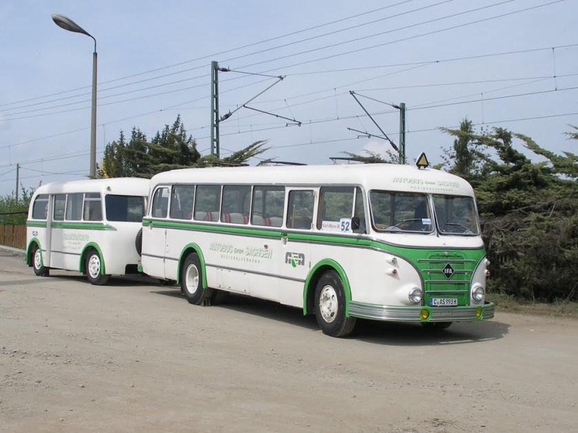 IFA H6 Bus