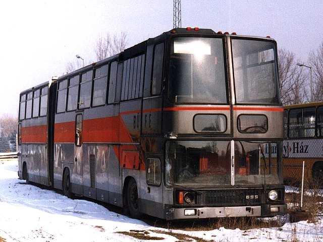 Ikarus 695