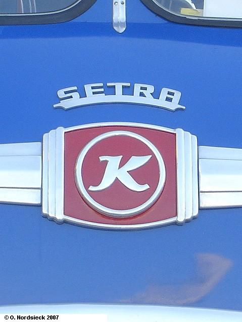 0704144-Schriftzug-u-Firmenlogo-Kaessbohrer-auf-Setra-S10