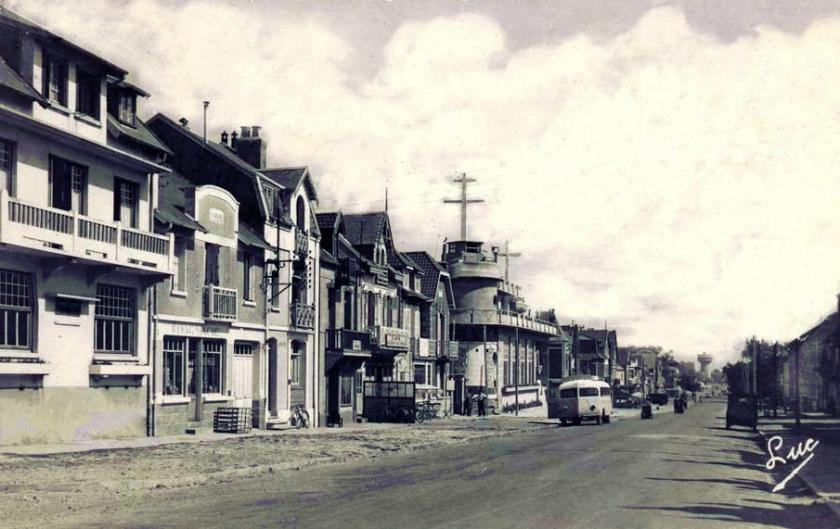 1950 Isobloc autocar Fort Mahon Plage Avenue de la Plage vers 1950