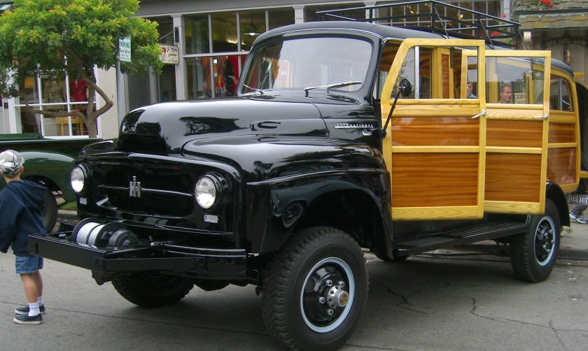 1952 International Harvester R-140