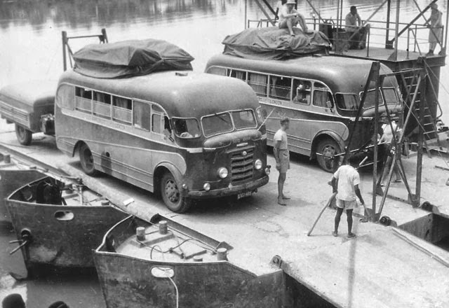 1956-Karrier Bantam bus