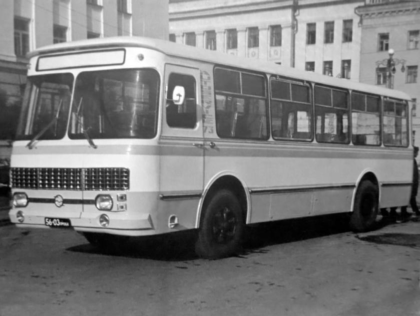 1976 kavz 3100 sibir